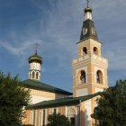 Під Миколаївську церкву переробили колишню турецьку мечеть. (Фото: Олександер Вівчарик)
