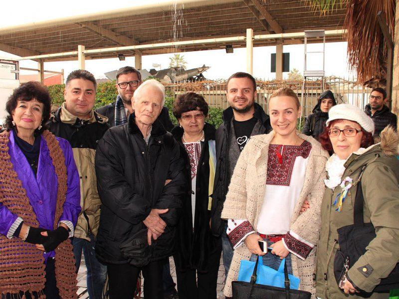 Члени київської делеґації з представниками української громади Ізраїля.
