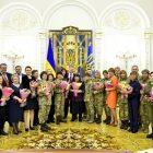 Президент Петро Порошенко під час зустрічі з видатними жінками України. (Фото: Офіційне представництво Президента України)